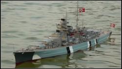 rc-battleship-bismarck-140-scale-highly-detailed-version-ready-to-run-jpg