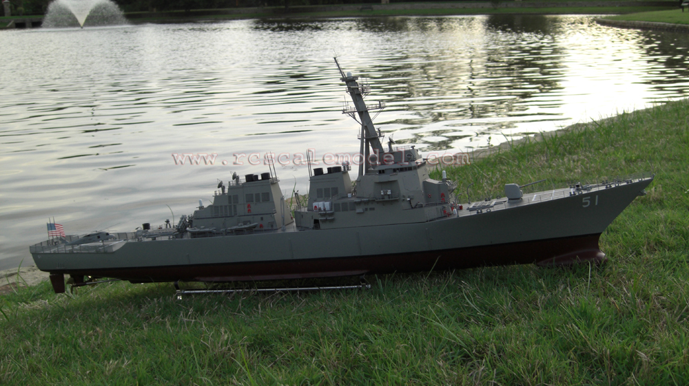 HUGE RC READY TO RUN ARLEIGH BURKE DESTROYER – 47 INCHES IN LENGTH