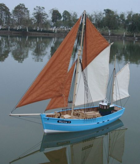 HUGE 52 INCH ARTR RC RADIO CONTROL EASTWINDS SAILBOAT