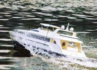 huge-62-inch-long-excalibur-high-speed-luxury-motor-yacht-49cc-gas-engine-loopthumbjpg