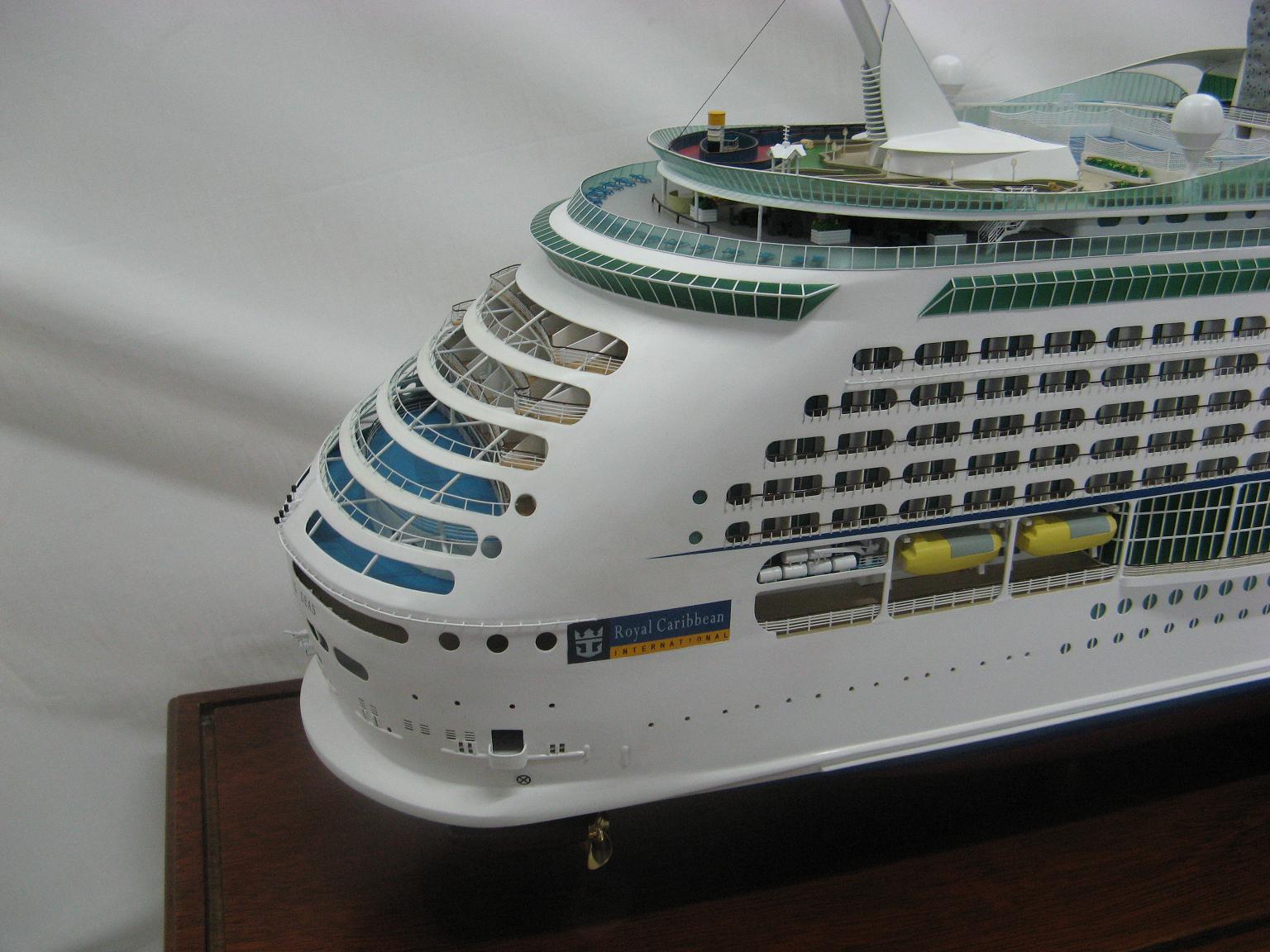 RTR HUGE 50 INCHES IN LENGTH RC EXPLORER OF THE SEAS ...