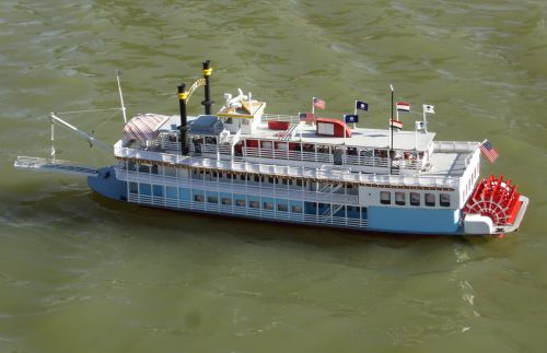 ready-to-run-rc-creole-queen-paddlewheeler-steam-boat-thumbjpg