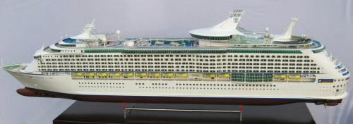 rtr-4-ft-long-radio-control-explorer-of-the-seas-cruise-ship-boat-thumbjpg